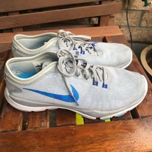 Nike Flywire Athletic Shoe
